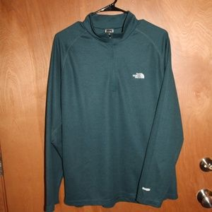 North Face 1/4 zip. EUC